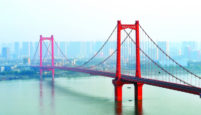 长江日报:鹦鹉洲长江大桥28日正式通车二环线画圆扣上